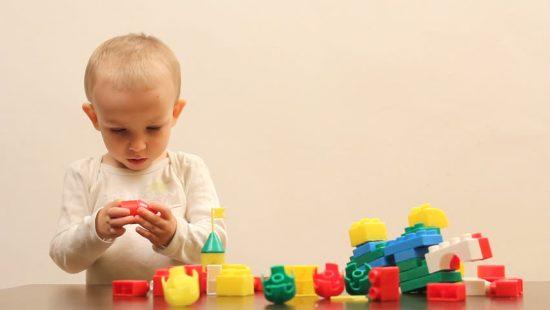 Lego ternyata mampu melatih motorik halus anak