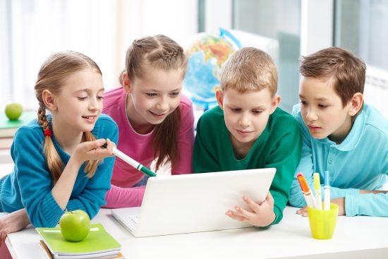 Anak-anak yang mengenal komputer sejak dini memiliki pandangan hidup yang jauh lebih luas