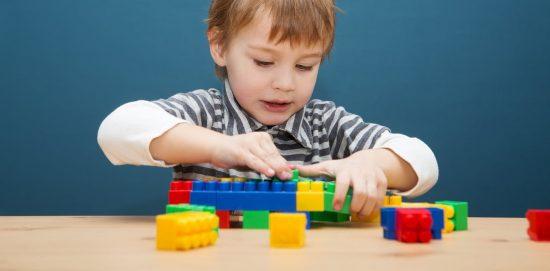 Kembangkan imajinasi dan kreatifitas melalui lego