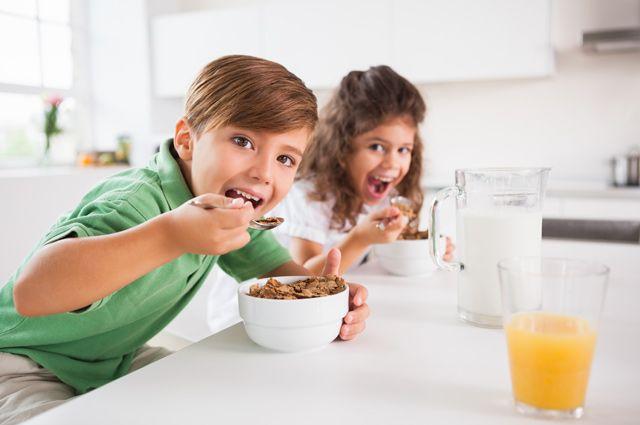 Makan Sambil Bermain