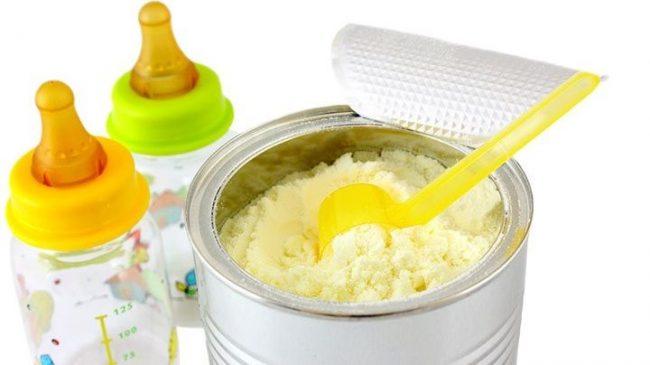 Siapkan takaran susu formula