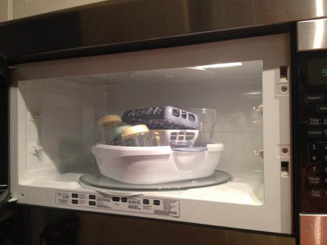 Penting untuk tidak menggunakan microwave untuk memanaskan susu