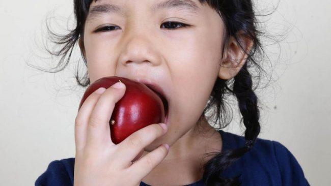 Konsumsi buah dan vitamin