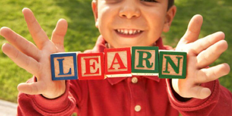 Belajar bahasa Inggris sejak kecil