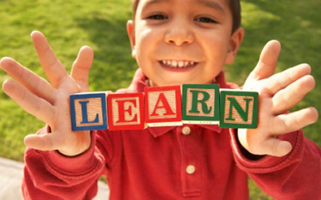 Foto anak Belajar Bahasa Inggris sejak dini