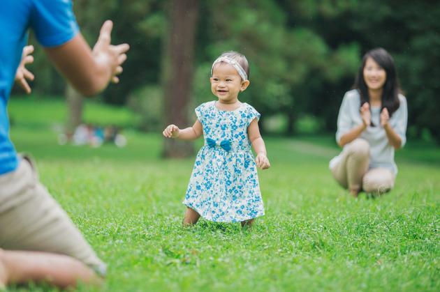 Membimbing Anak Berjalan dengan Baik