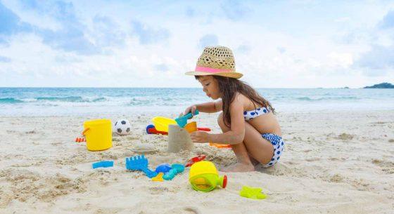 Buat Istana Pasir Di Tepi Pantai Sambil Mengenal ombak