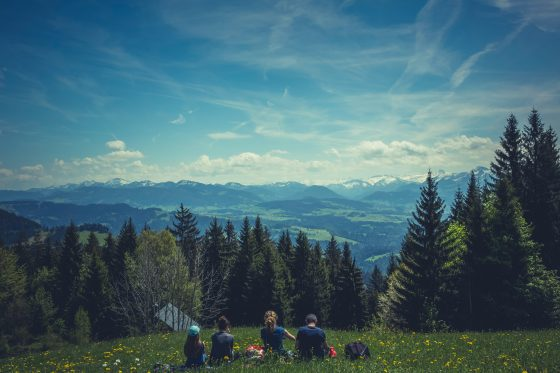 Hirup Udara Segar Di Daerah Pegunungan Sambil Mengenal Alam
