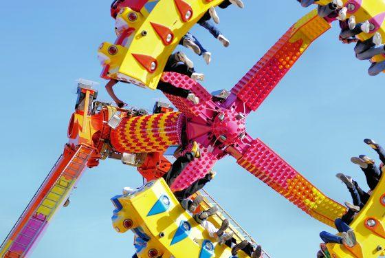 Menikmati Permainan-permainan Menarik di Theme Park