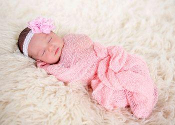 Nama Bayi Perempuan Kristen (sumber gambar: tps://www.momjunction.com/)