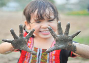 Mengenai Anak Hiperaktif dan Anak Aktif