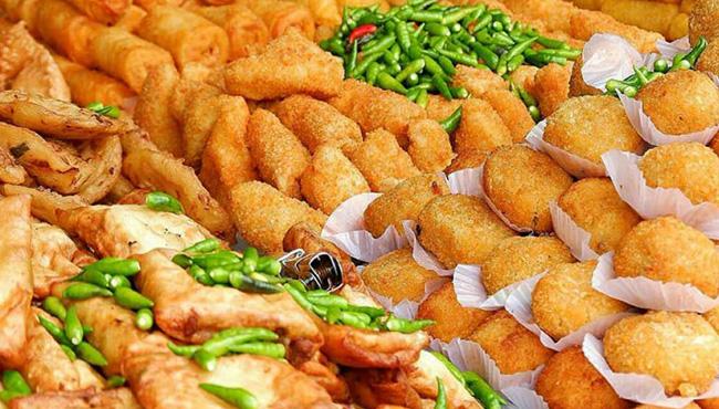 makanan yang harus dihindari saat buka puasa