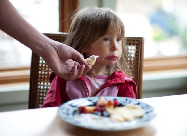 Screen time pengaruhi kebiasaan makan anak