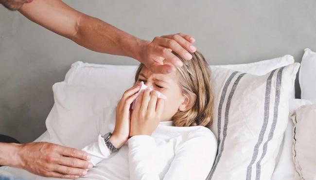 perbedaan coronavirus dengan flu biasa