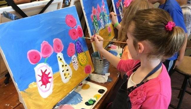 anak melukis